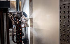 Deurenfabriek Suselbeek heeft zijn verfsystemen aangepast.
